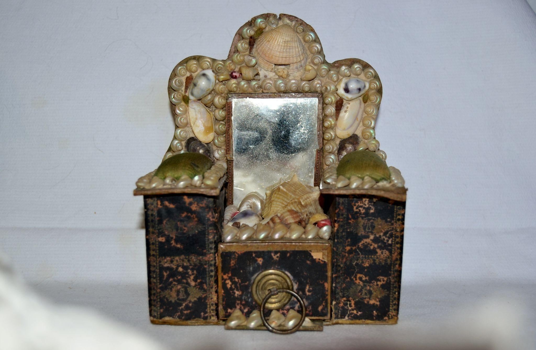 Victorian shell box souvenir for a little girl