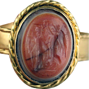 Exceptional & large Roman Gold ring with Nike crowning godess!