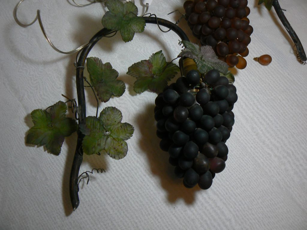 Wall Sconces With Grapes : Vintage 20
