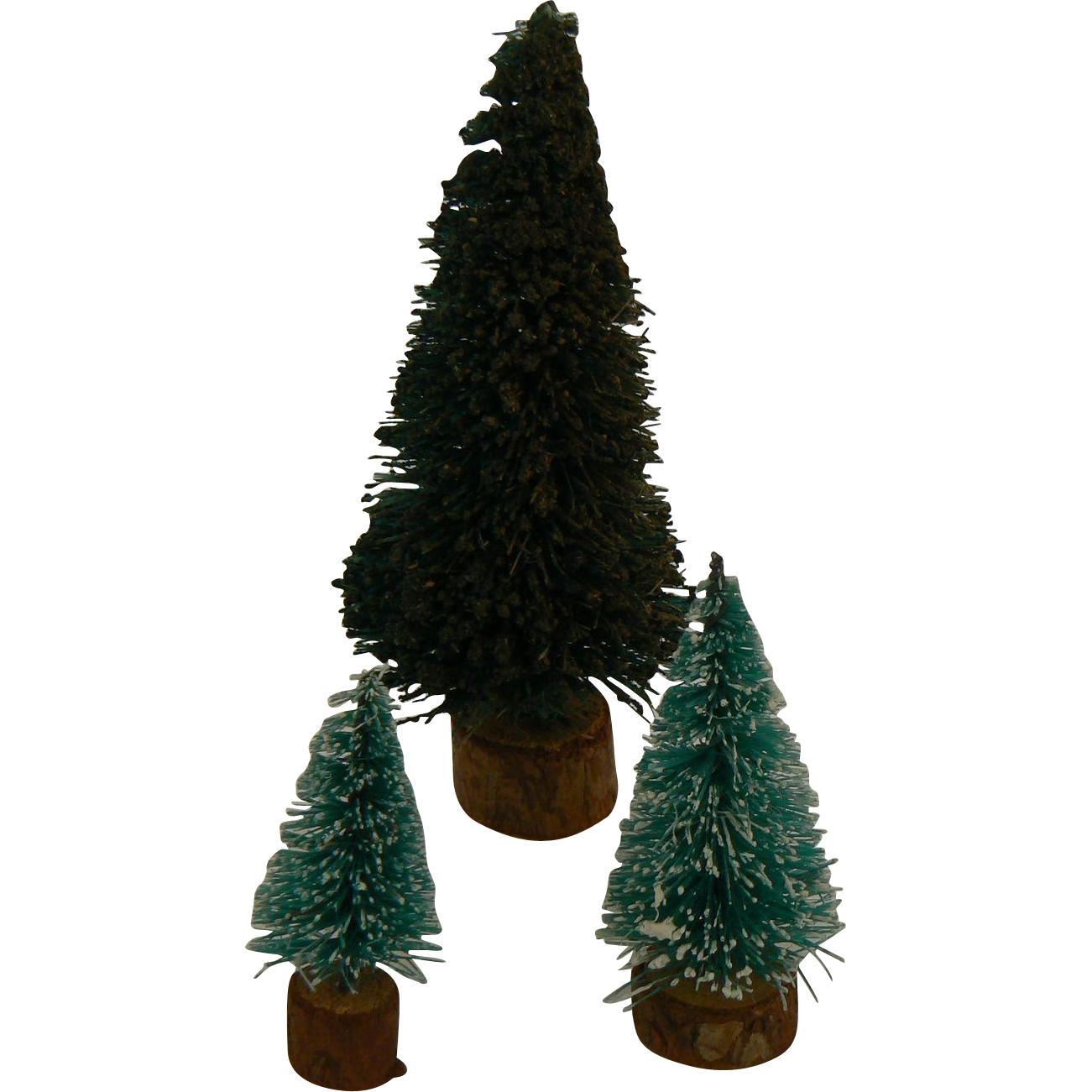 3 small and tiny Christmas trees for your doll or dollhouse.