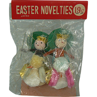 Vintage Chenille Easter Chicks in pack with Jockey riders on back cute.