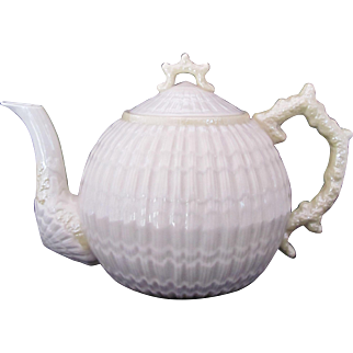 BELLEEK Limpet Teapot Cob Luster c.1965-81 Large 48 Ounces Third Green Mark