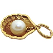Vintage 18K Gold 3D *Scallop with Pearl* Sea Shell Charm