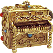 Vintage 14K Gold 3D Jeweled Etruscan Piano Music Box Charm *Waves of Danube* 30.9 grams