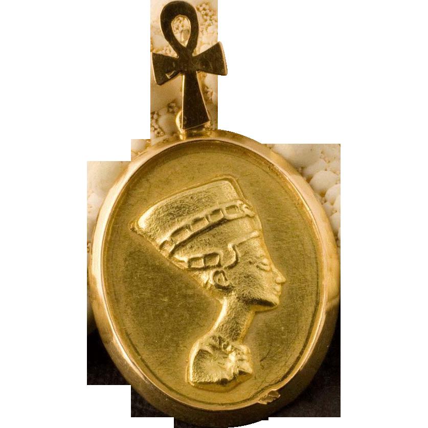 vintage 22 karat gold pendant of queen nefertiti from 24kgreen on ruby lane. Black Bedroom Furniture Sets. Home Design Ideas