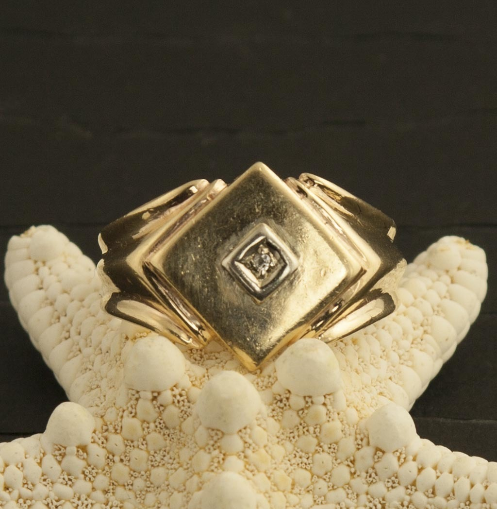 Vintage Men's 14 Karat Gold And Diamond Ring