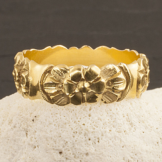 Vintage 14 Karat Gold Flower Band