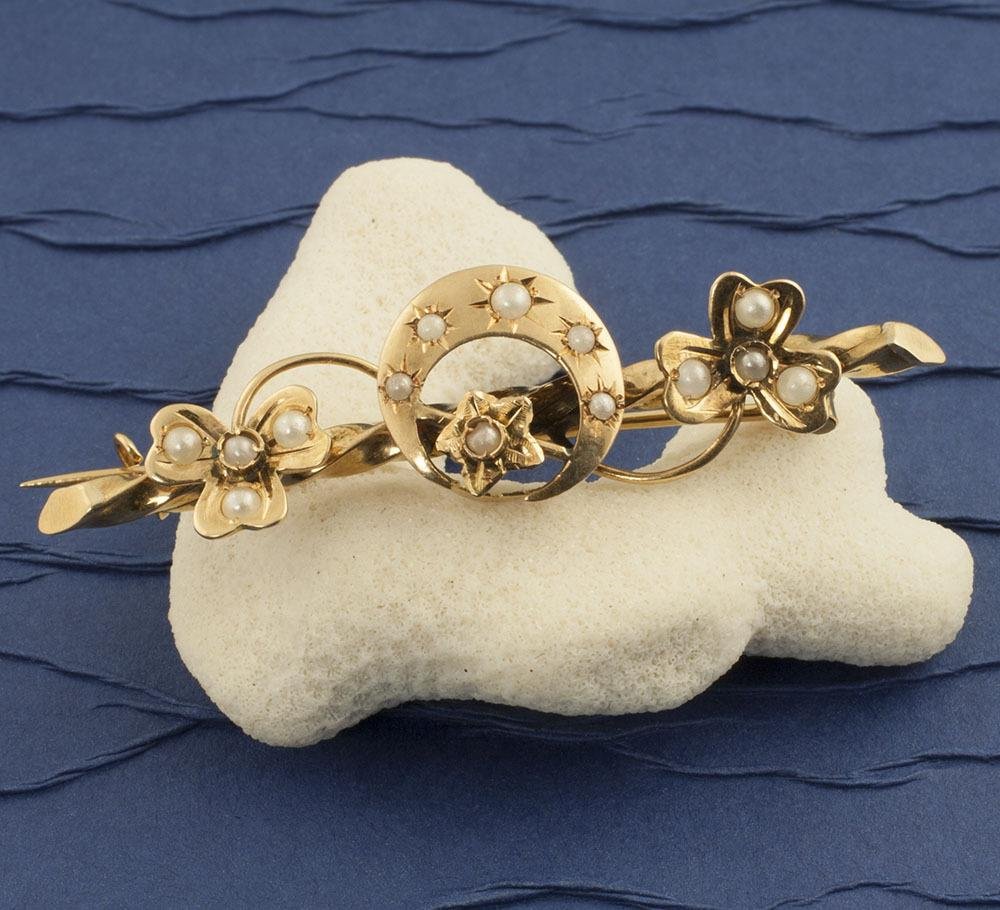 Antique Victorian 18 Karat Gold And Seed Pearls Crescent Moon Pin