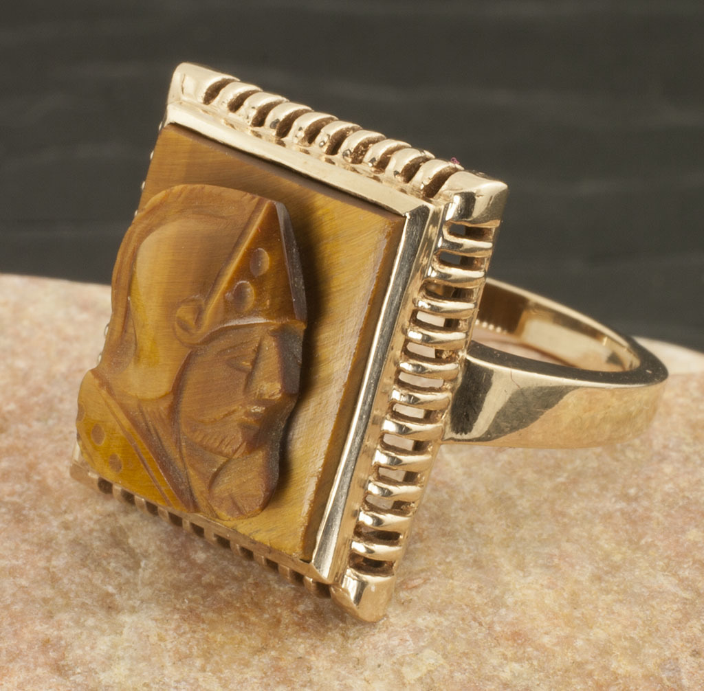Antique 10 Karat Gold Tiger Eye Cameo Ring