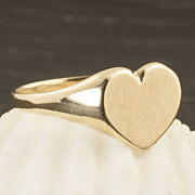 Vintage 10 Karat Gold Heart Signet Ring