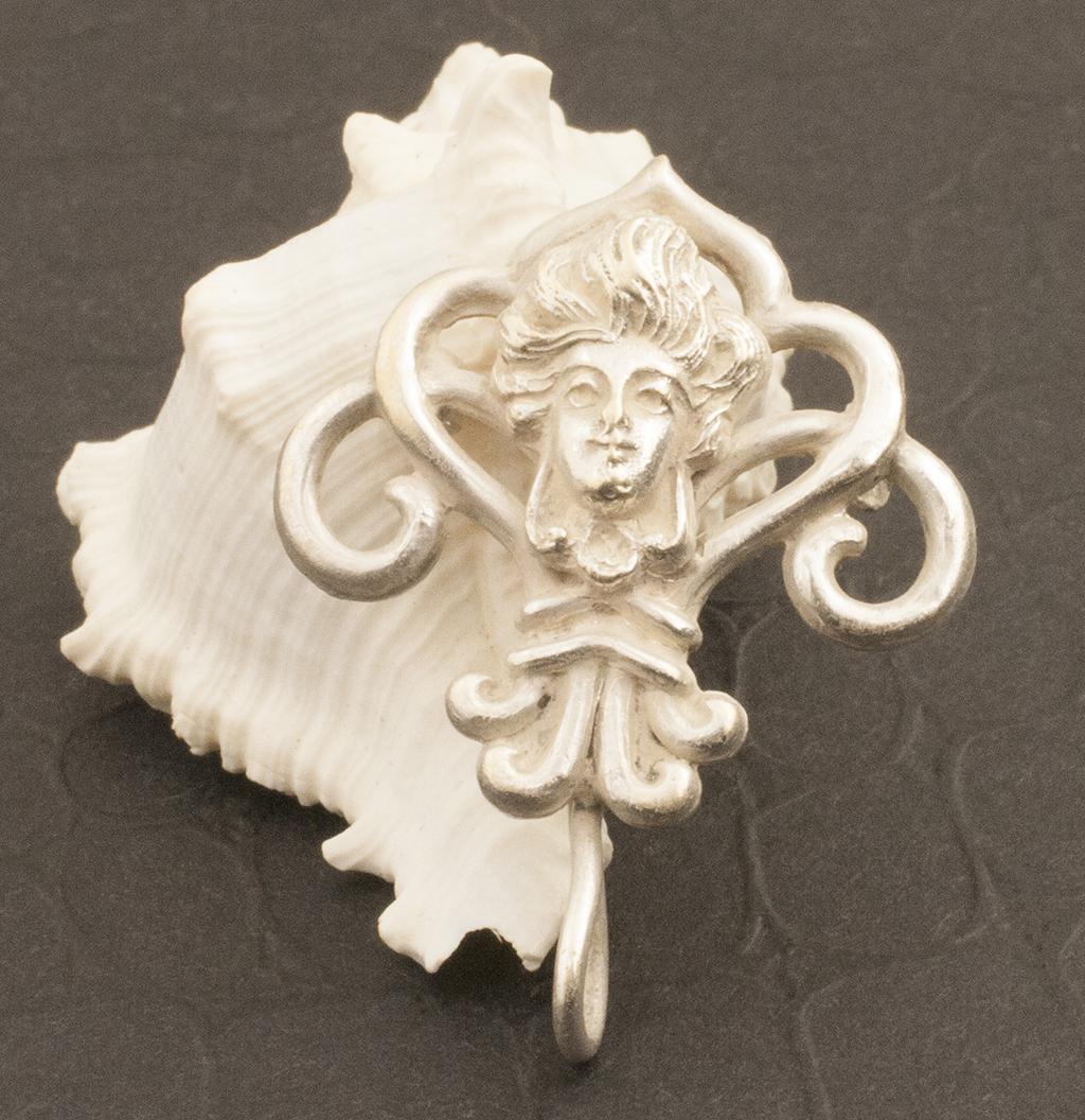 Vintage Sterling Silver Art Nouveau Pin