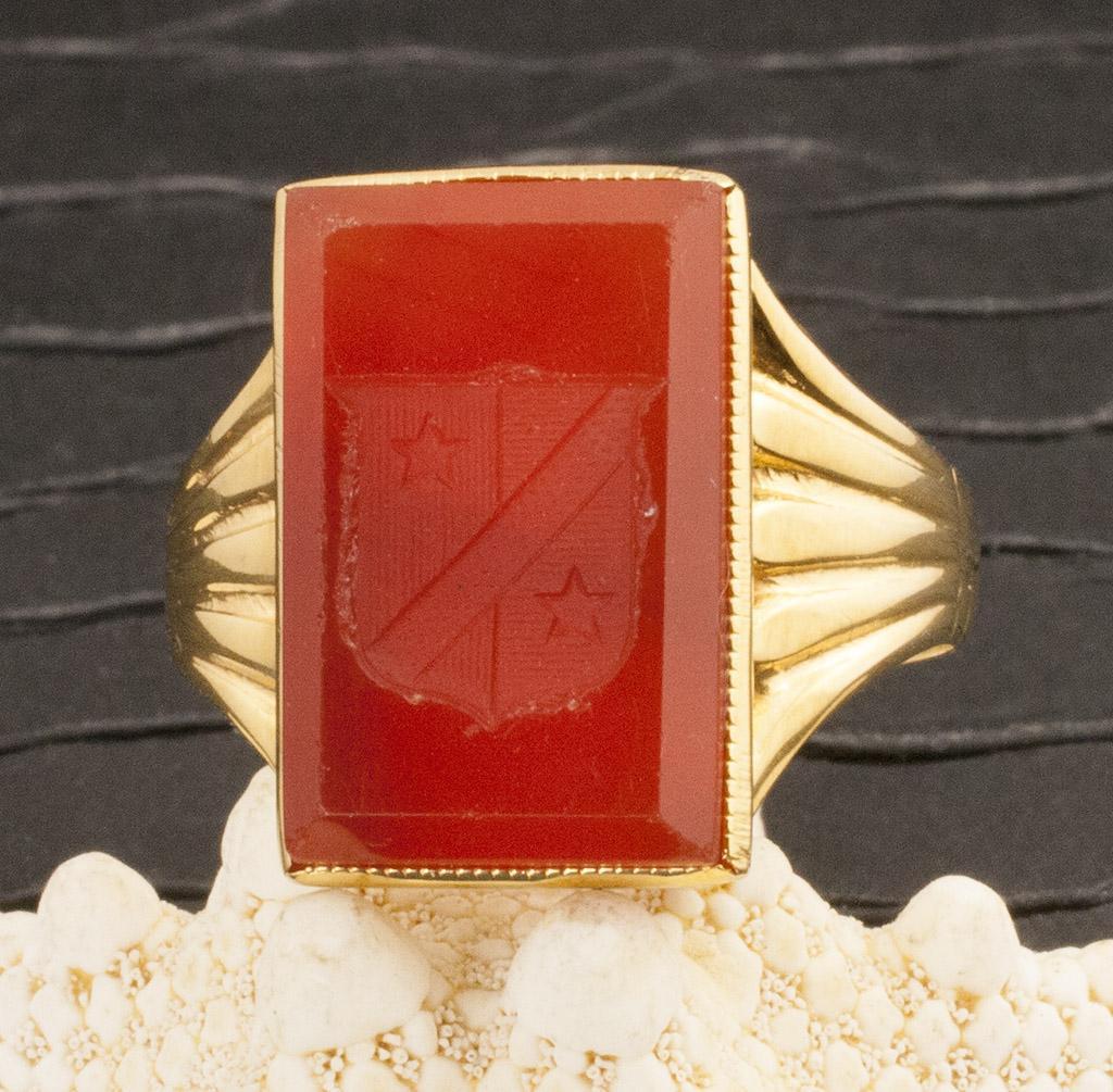 Vintage 10 Karat Gold Carnelian Ring