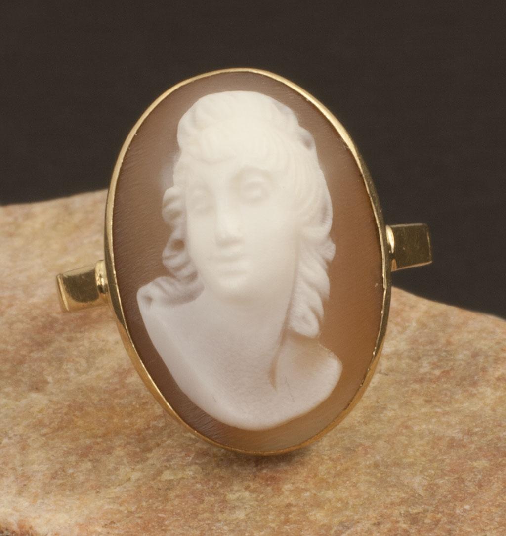 Vintage 14 Karat Gold Cameo Ring