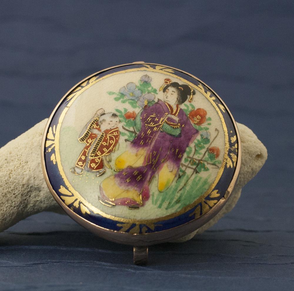 Antique Victorian Japanese Ceramic 10 Karat Gold Pin