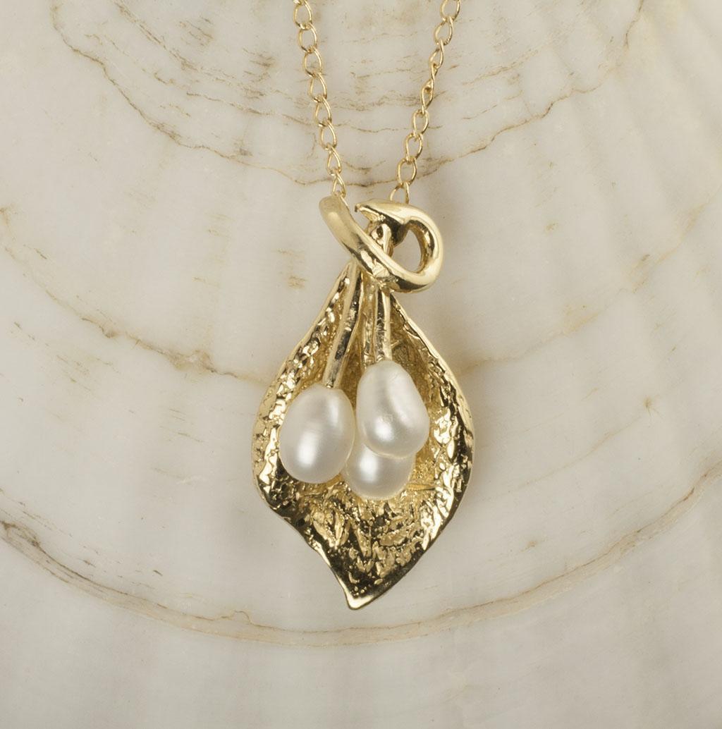 Vintage 14 Karat Gold Pearl Necklace