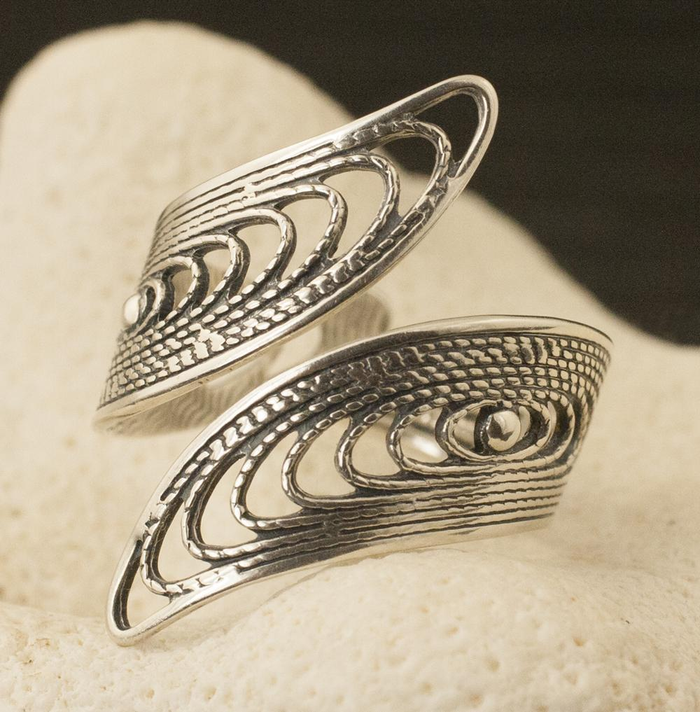 Vintage Sterling Silver Siam Style Ring