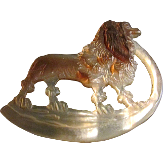 Exquisite! Blenheim Cavalier King Charles Spaniel Intricately Hand Carved Mother of Pearl Vintage Brooch ~ Pin