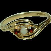 Pretty Vintage 9ct Gold Opal + Garnet Gemstone Crossover Ring.
