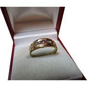 Attractive Victorian{Chester 1893} 15ct Solid Gold 5-Stone Diamond + Ruby Gemstone Ring.