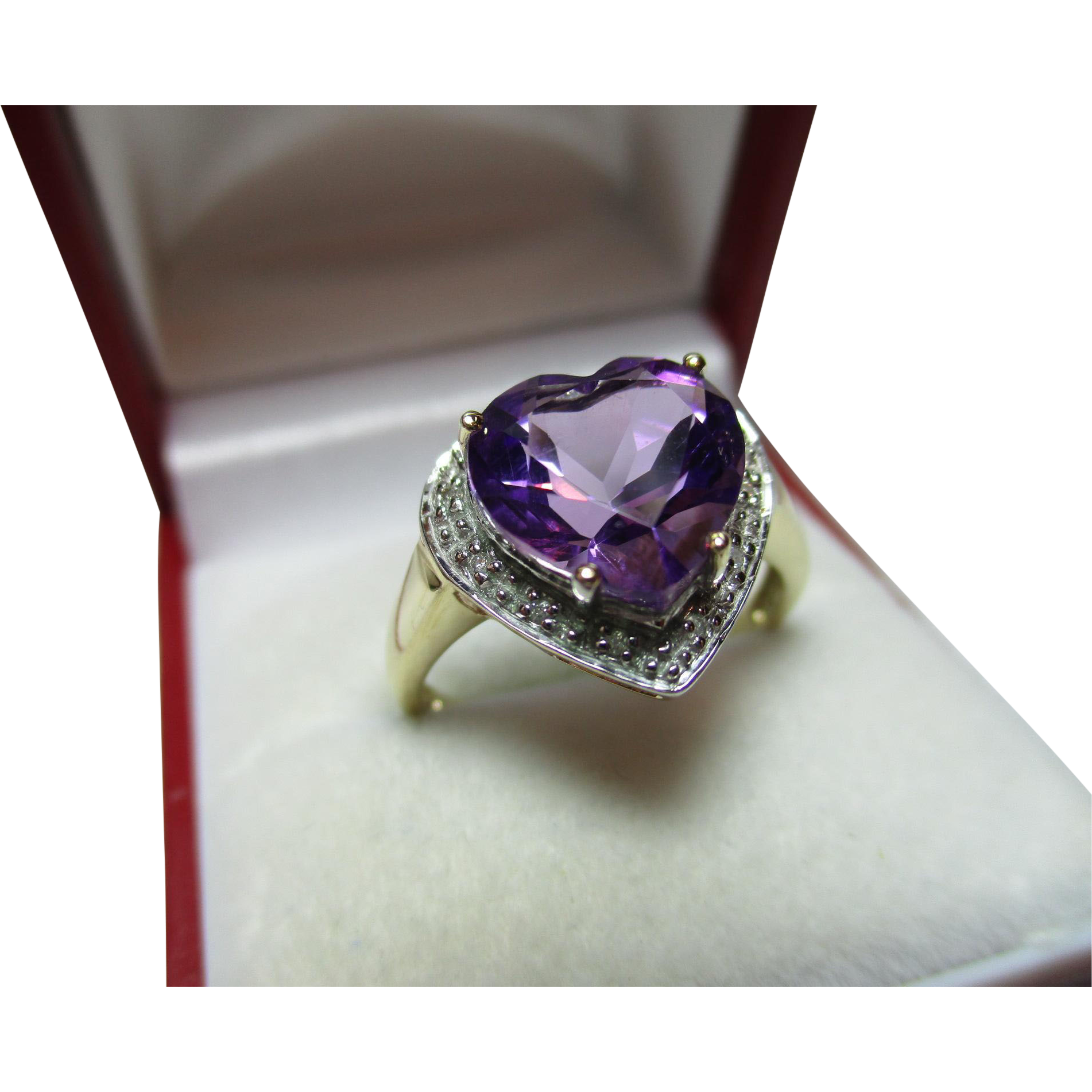 Pretty Vintage 9ct Gold Diamond Amethyst Gemstone Heart Shaped Ring
