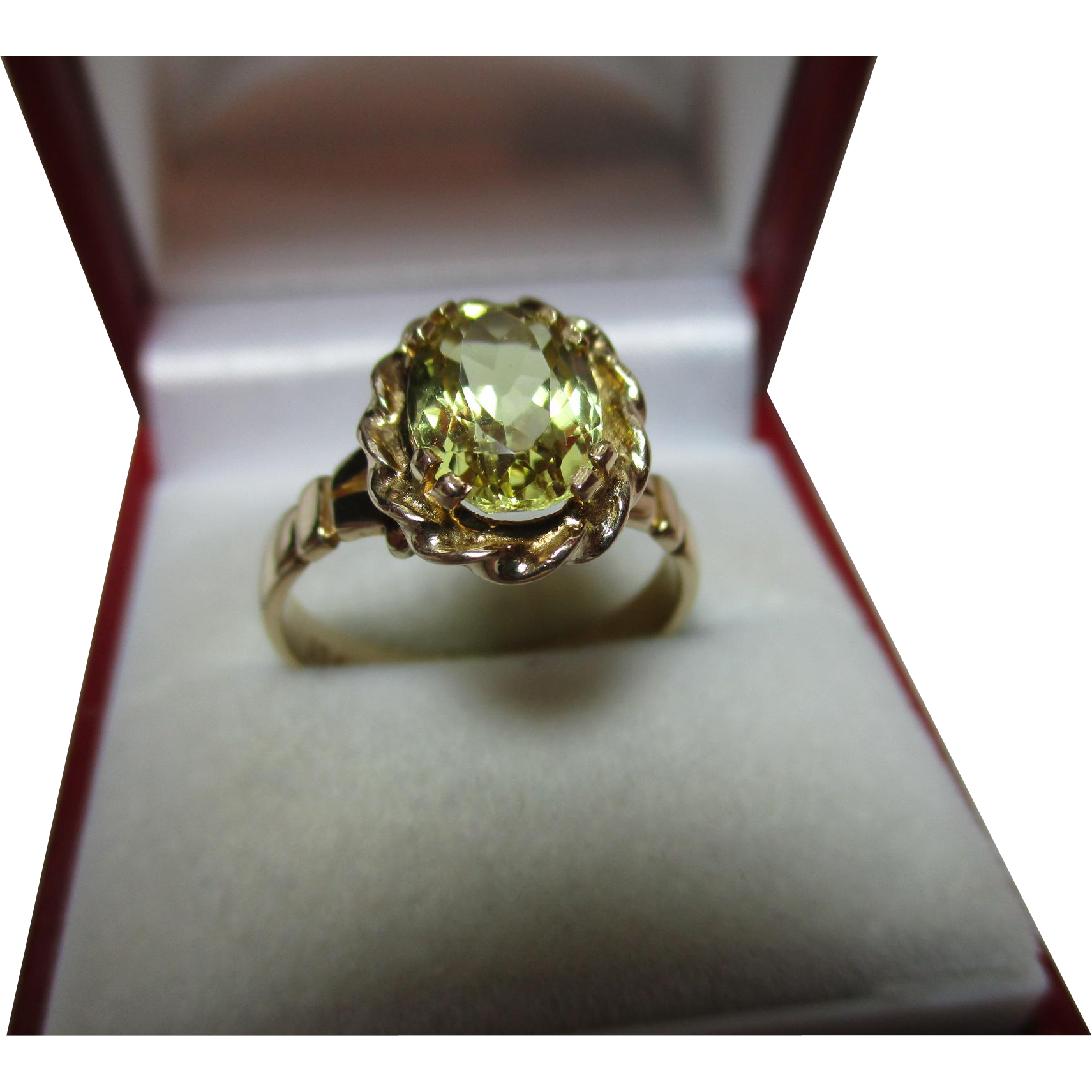 attractive antique 9ct solid gold yellow tourmaline