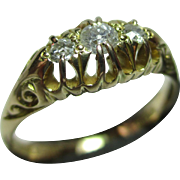 Ornate Antique 18ct Solid Gold 3-Stone Diamond Gemstone Ring{0.25Ct Weight}