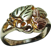 Attractive 10ct Solid Gold Multi Coloured Simulated Leaf Ring.