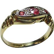 Pretty Antique 18ct Solid Gold 5- Stone Diamond + Ruby Gemstone Twist Ring.