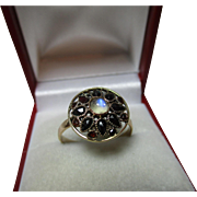 Decorative Antique 14ct Gold Moonstone + Garnet Gemstone Filigree Cluster Ring.