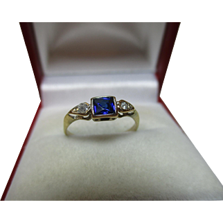 Pretty Antique 18ct Gold Sapphire + Cubic Zirconia Gemstone Ring