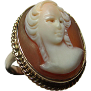 Attractive Vintage{Birmingham 1973} 9ct Gold 'Oval Shaped' Cameo Gemstone Ring