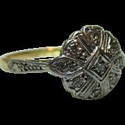 Pretty 'Art Deco' 18ct Solid Gold Diamond Gemstone Ring.