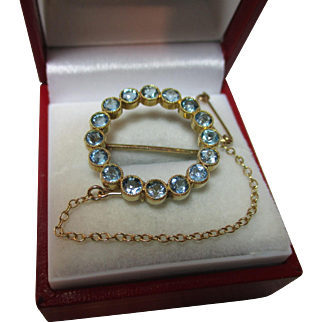 Decorative Antique 15ct Solid Gold Blue Topaz Gemstone Brooch With Pin + Safety Chain.