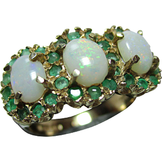 Attractive Vintgae 9ct Solid Gold Emerald + Opal Gemstone Tri-Cluster Ring