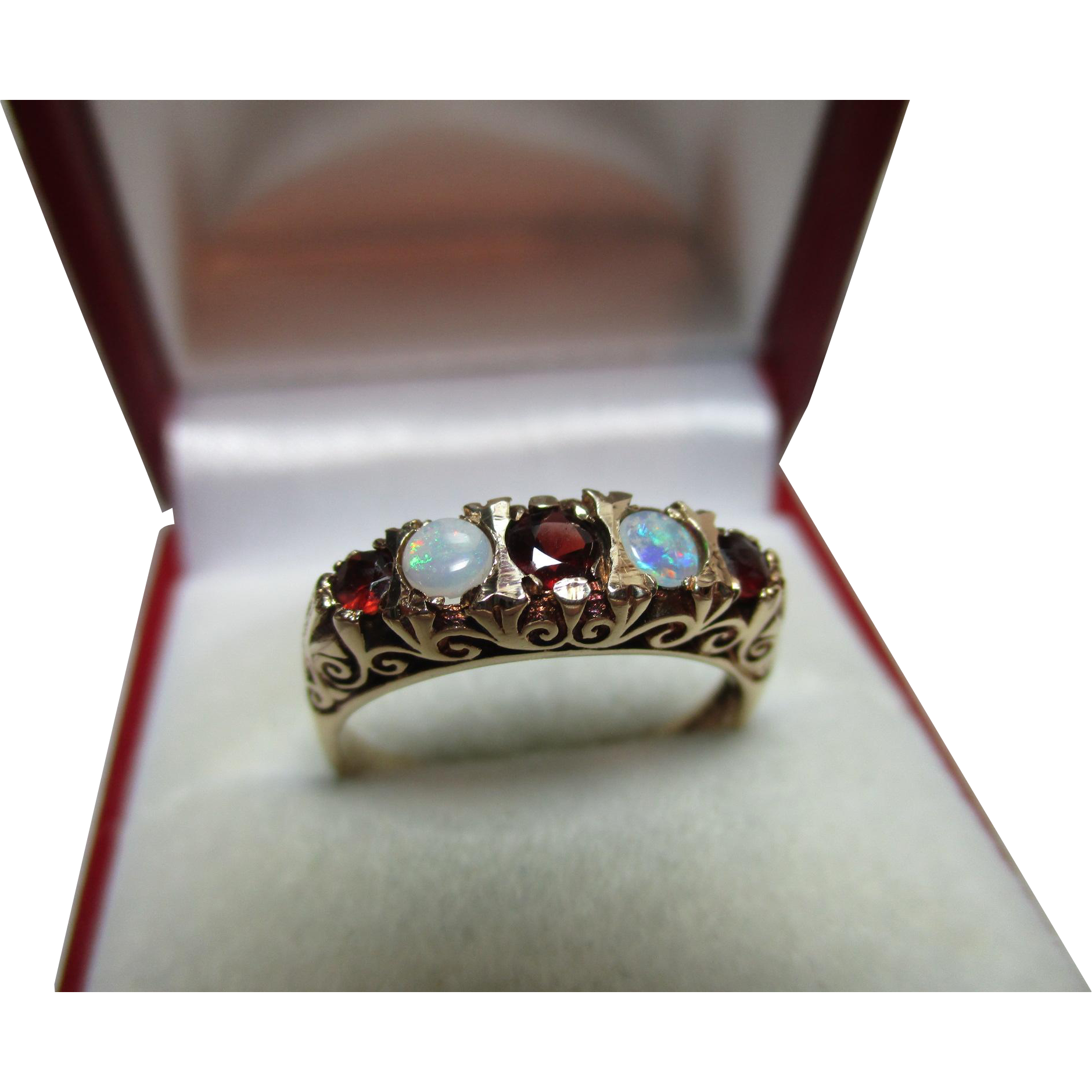 Attractive vintage birmingham 1975 9ct solid gold 5 stone for Sell jewelry birmingham al