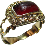 Superb Georgian 18ct Solid Gold Rectangular Shaped Garnet Cabochon Gemstone Ring