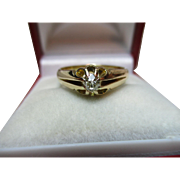 Superb Antique 18ct Solid Gold Diamond Solitaire Gemstone Ring {0.2ct weight}{4.6 Grams}