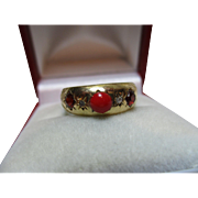 Decorative Edwardian(Birmingham 1907) 18ct Gold 5-Stone Diamond, Garnet + Red Coral Gemstone Ring.