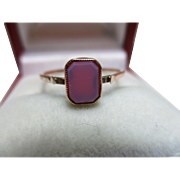 Decorative Antique 9ct Rose Gold 'Hexagonal Shaped' Sardonyx Gemstone Ring