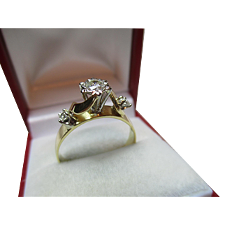 Attractive Antique 18ct Solid Gold 3-Stone Diamond Gemstone Ring{0.42ct Weight}