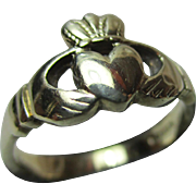 Vintage 9ct Solid Gold 'Claddagh' Ring