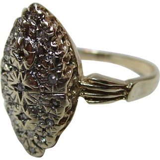 Lovely Vintage 9ct Solid Gold 'Marquise Shaped' Diamond Gemstone Ring{3.9 Grams}