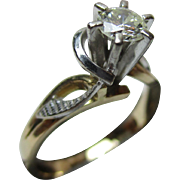 Decorative Vintage 18ct Gold Diamond Solitaire Gemstone Ring{0.25Ct Diamond Weight}{4.3Grams Gold Weight}