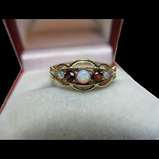 Attractive Vintage 9ct Gold 5-Stone Opal + Garnet Gemstone Ring