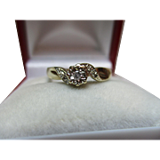 Attractive Vintage 9ct Solid Gold Diamond Gemstone 'Crossover' Ring