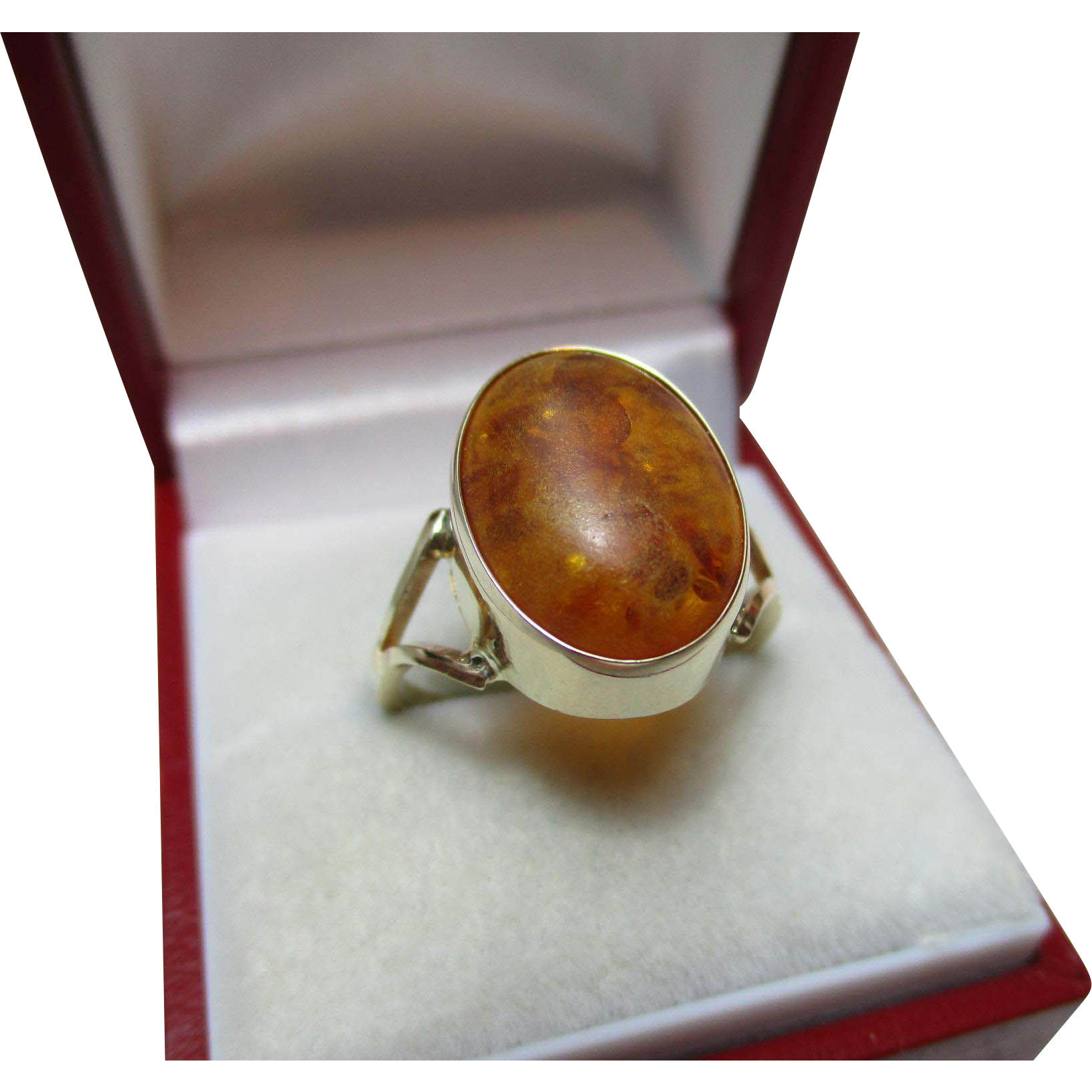 Vintage 9ct Solid Gold 'Oval Shaped' Amber Gemstone Ring