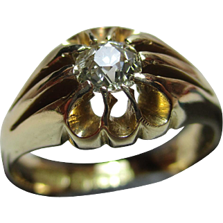 Quality Antique 18ct Solid Gold Diamond Solitaire Gemstone Ring{5.4 Grams}{0.25Ct Diamond Wt}