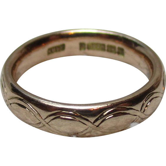 Decorative{Birmingham 1934} 9ct Solid Gold Engraved Wedding Band Ring{3.9 Grams}
