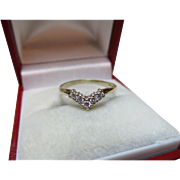 Pretty Vintage 9ct Solid Gold Cubic Zirconia Gemstone 'Wishbone' Ring