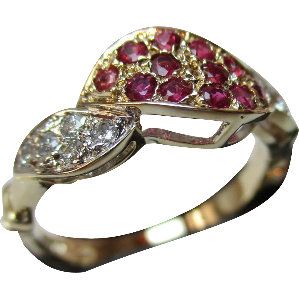 Exquisite 9ct Solid Gold Diamond + Ruby Gemstone 'Twist' Ring{0.2Ct Diamond Weight}